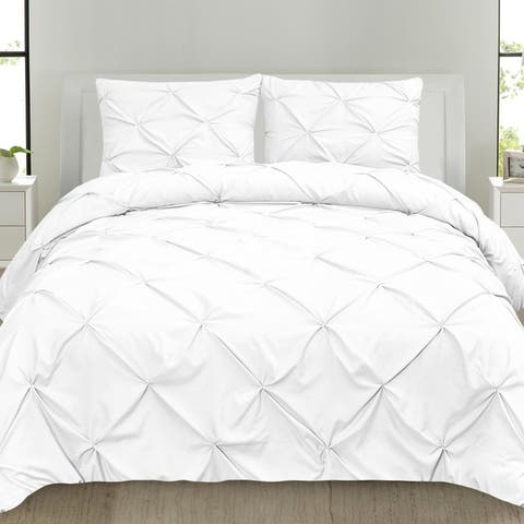 Classic and Chic Pintuck Pinch Pleated 3-piece Comforter Set