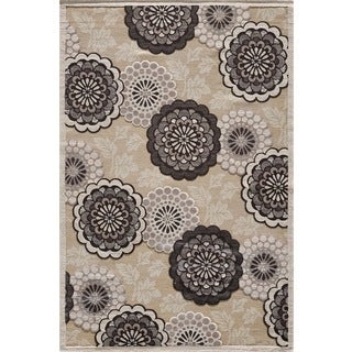 Couture Beige Floral Motif Area Rug (5'3 x 7'7)