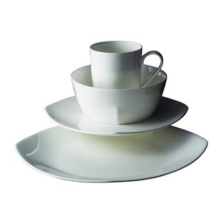 Quattro Square Bone China Dinnerware 16-piece Set
