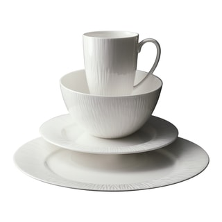 Emilia Round Bone China Dinnerware 16-piece Set