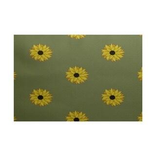Sunflower Frenzy Flower Print Rug (4 x 6')