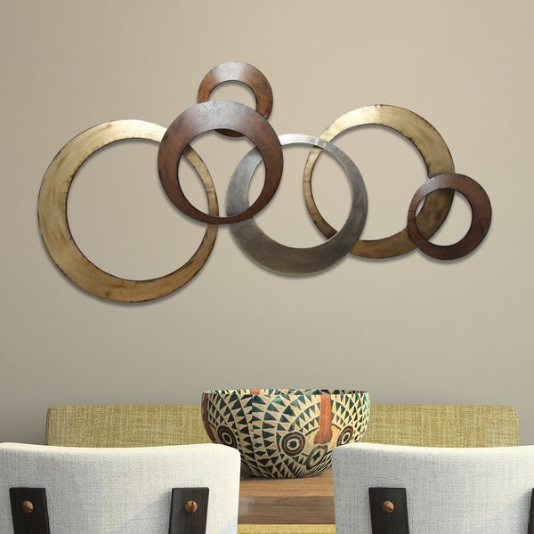 Stratton home decor interlocking circles metal wall decor for Wall accessories