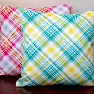 Artisan Pillows Indoor 20-inch Notting Hill Plaid Tartan Pink or Aquamarine 20-inch Throw Pillow