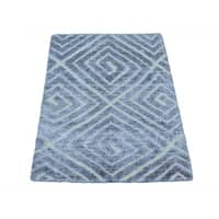 Wool and Rayon from Bamboo Silk High and Low Pile Modern Handmade Rug (2' x 3')