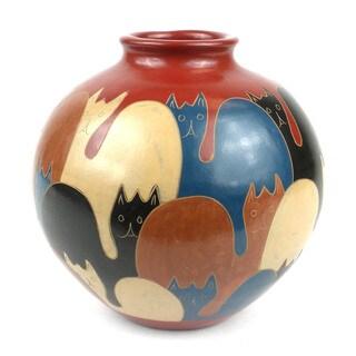 Handmade Cat Design 6-inch Tall Vase (Nicaragua)