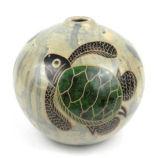 Handmade 4-inch Round Vase - Turtle Design (Nicaragua)