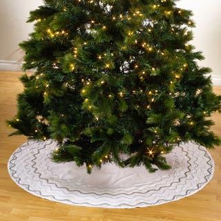Hand Beaded Tree Skirt|https://ak1.ostkcdn.com/images/products/10556507/P17635269.jpg?impolicy=medium