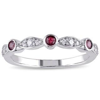 Miadora 10k White Gold Ruby and 1/6ct TDW Diamond Anniversary Ring (G-H, I2-I3)