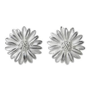 Handcrafted Sterling Silver 'Pretty Daisies' Earrings (Thailand)