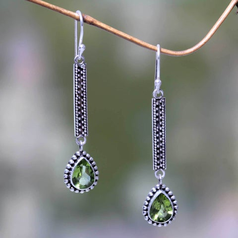 Handmade Sterling Silver 'Falling Raindrops' Peridot Earrings (Indonesia)