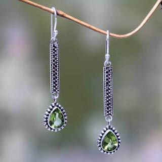 Sterling Silver 'Falling Raindrops' Peridot Earrings (Indonesia)