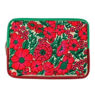 Handmade Polyester 'Blossoming Red' Tablet Sleeve (India)