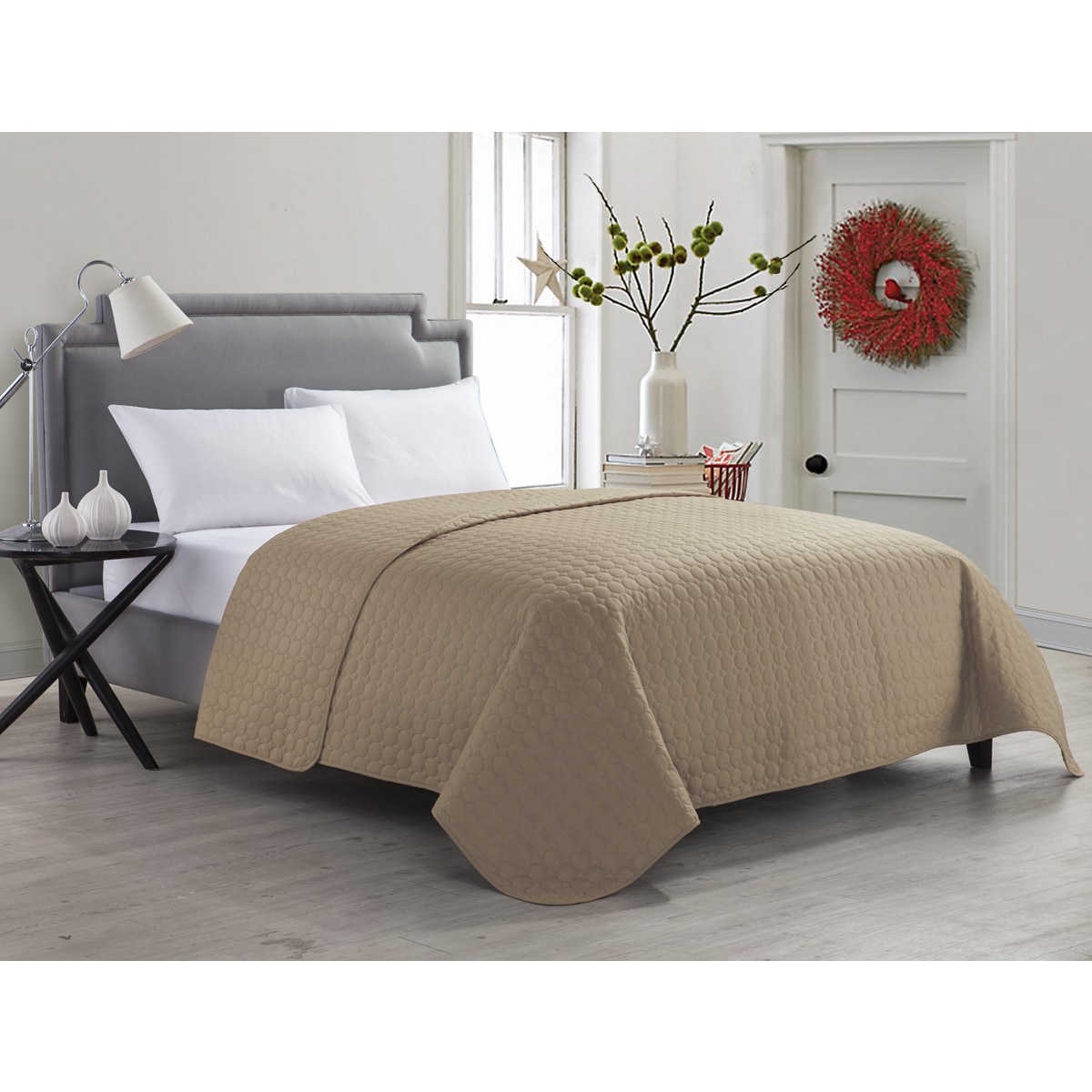 Vcny Jordan Solid Quilt (Twin-Taupe), Beige, Size King (P...