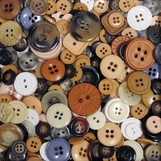 Favorite Findings Big Bag Of ButtonsNatural 4oz