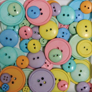 Favorite Findings Big Bag Of ButtonsHappy 3.5oz