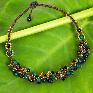Handmade Brass 'Verdant Cattlelaya' Onyx Serpentine Necklace (Thailand)