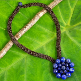 Handcrafted Lapis Lazuli 'Made to Bloom' Necklace (Thailand)