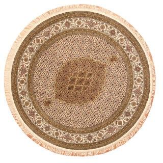 Herat Oriental Indo Hand-Knotted Tabriz Ivory/ Gold Wool/ Silk Round Rug (6'4 x 6'4)
