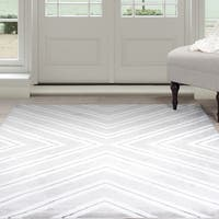 "Windsor Home Kaleidoscope Area Rug - Grey & White 5' x 7'7"""