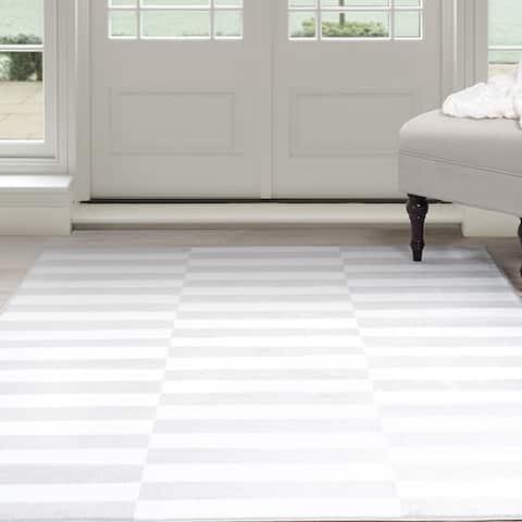 "Windsor Home Alternate Stripes Area Rug - 5' x 7'7"""