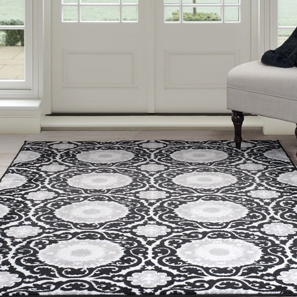 Windsor Home Royal Damask Area Rug - Black 5' x 7'7""