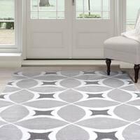 "Windsor Home Geometric Area Rug - Grey & White 5'x7'7"""