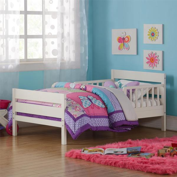Avenue Greene Rory White Toddler Bed
