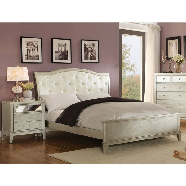 Furniture of America Livo Modern Padded 2-piece Bedroom Set