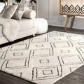 nuLOOM Handmade Moroccan Diamond Trellis Wool Natural Rug (5' x 8') - 5' x 8'