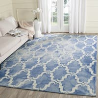 Safavieh Handmade Dip Dye Watercolor Vintage Blue/ Ivory Wool Rug - 7' Square