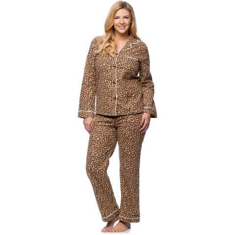 White Mark Women's Plus Size Cheetah Print Slim-Fit Flannel Pajama Set