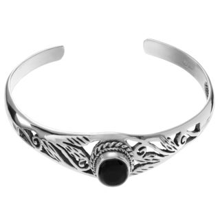 Journee Collection Sterling Silver Onyx Accent Graduated Cuff