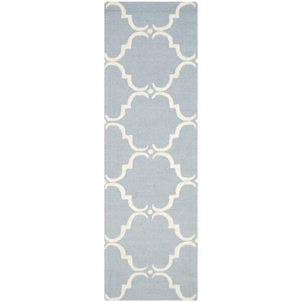 Safavieh Handmade Cambridge Blue/ Ivory Wool Rug (2'6 x 12')