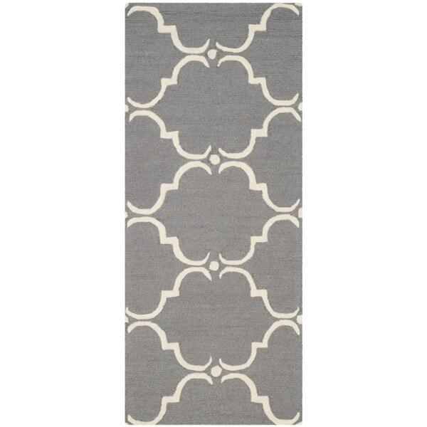 Safavieh Handmade Cambridge Dark Grey/ Ivory Wool Rug - 2'6 x 12'