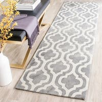 Safavieh Handmade Dip Dye Watercolor Vintage Grey/ Ivory Wool Rug - 2'3 x 8'