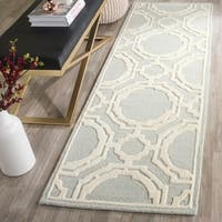 Safavieh Handmade Cambridge Grey/ Ivory Wool Rug - 2'6 x 8'