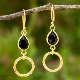 Handcrafted Gold Overlay 'Golden Legacy' Onyx Earrings (Thailand)