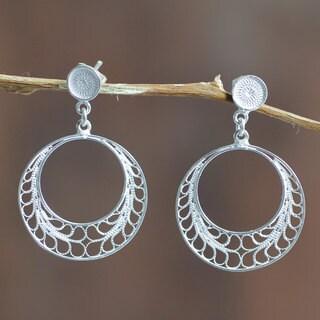 Handmade Sterling Silver 'Tondero Dancer' Earrings (Peru)