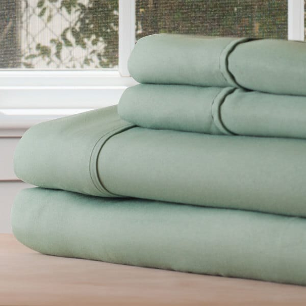 Shop Winsor Home Cotton Blend 1200 Thread Count Sage Bed