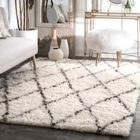 nuLOOM Handmade Soft and Plush Moroccan Trellis Wool Ivory Shag Rug (3' x 5')