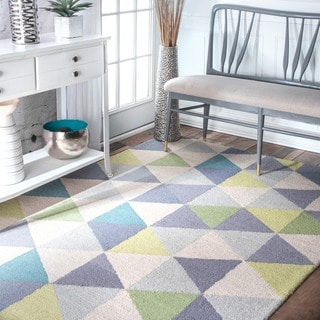 nuLOOM Handmade Dimentional Triangles Wool Green Rug (4' x 6')