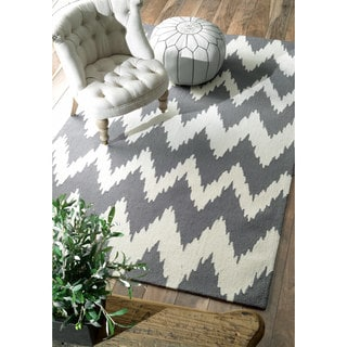 nuLOOM Handmade Chevron Ikat Soft Grey Rug (9' x 12')