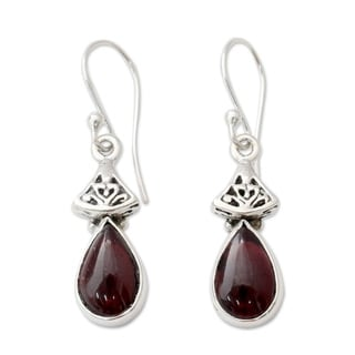 Handcrafted Sterling Silver 'Crimson Morn' Garnet Earrings (India)