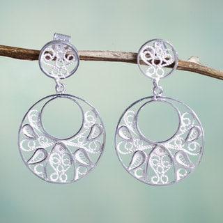 Handmade Sterling Silver 'Tunan Moon' Filigree Earrings (Peru)