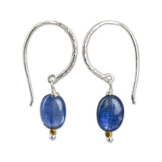 Handcrafted Sterling Silver 'Accents' Kyanite Earrings (Thailand)