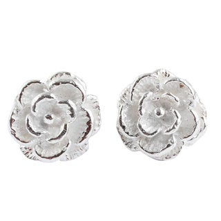 Handcrafted Silver 'Precious Gardenia' Earrings (Peru)