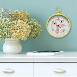 Stratton Home Decor Distressed Vintage Clock