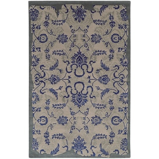 Hand-crafted PANTONE UNIVERSE Color Influence Eroded Oriental Grey/ Blue Rug (2'6 x 8')