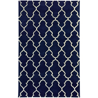 Hand-crafted Wool Scalloped Lattice Navy/ Ivory Rug (2'6 x 8')