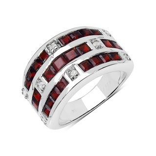 Olivia Leone Sterling Silver 3 2/5ct Genuine Garnet and 1/8ct TDW Diamond Ring